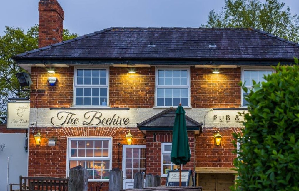 The Beehive Restaurant & Pub in White Waltham